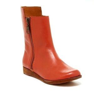 Kork Ease Liza short zipper boots Tagin size 40